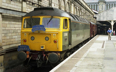 After a pleasant run north along the ECML, 47851 is pictured on arrival at Edinburgh with the 'Edinburgh Coastliner' (09/07/2010)