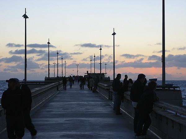 18 - Marina del Rey pier.JPG