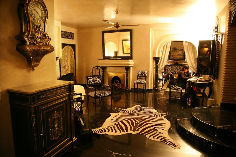 la sultana zebra room
