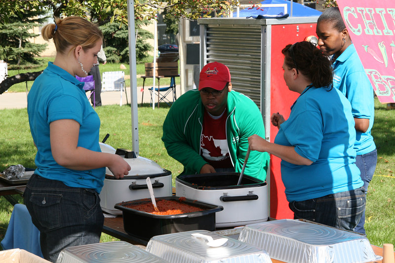 Student Gov. fires up their chili