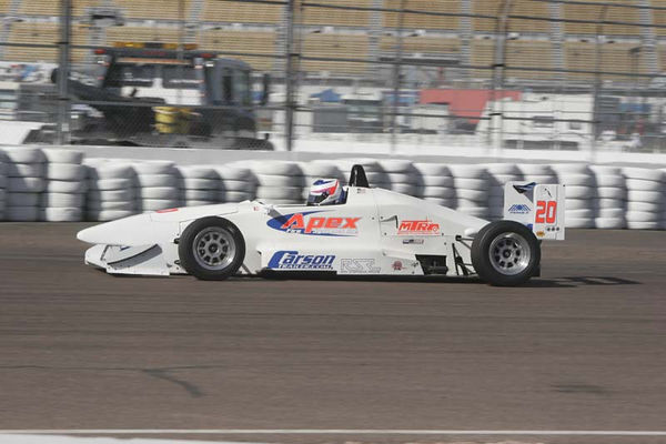 No-0603 The SCCA Pacific FF2000 Races at Phoenix International Raceway on February 3-5 2006