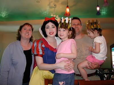 2006   San Diego Zoo  ,  Disney California , Princess  Lunch 154