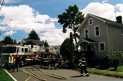 Photo's from  Waldwick 2nd alarm Lafayette Pl 9-4-06