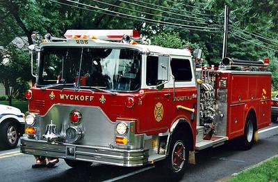 Wycoff 2nd alarm Wycoff Ave house fire 7-11-06