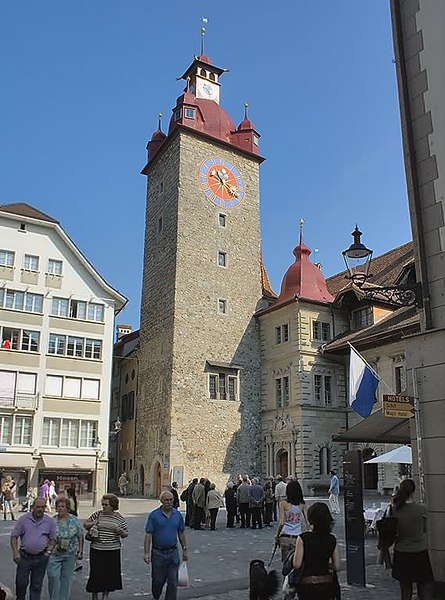 The Rathaus which dates from 1606 was the earlier City Hall, an example of a Renaissance building.