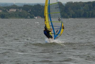 1062_gary windsurfing