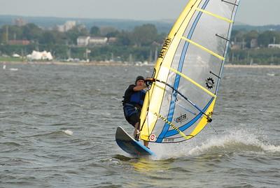 1124_gary windsurfing