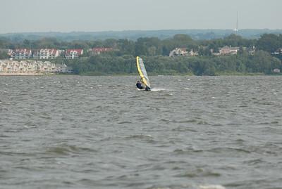 1117_gary windsurfing