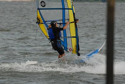 1096_gary windsurfing