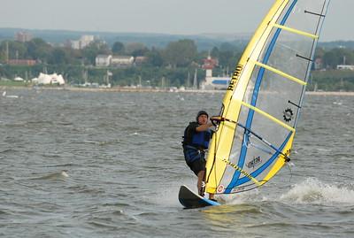 1123_gary windsurfing