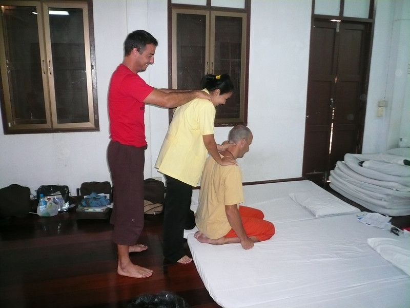 Thai Massage class in Bangkok, Wat Pho. David the spaniard is in the back.