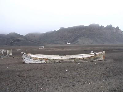 Water boat in ash - Andrew Gossen
