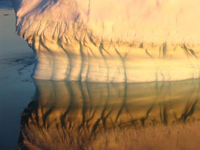 Sunset iceberg - Andrew Gossen