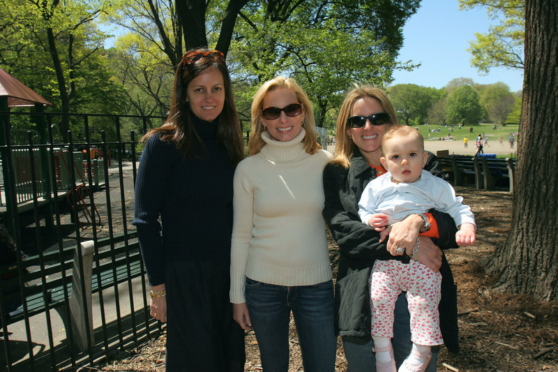 Eva Dillon, Gillian Miniter & Liz Finkle Eliot with her little one