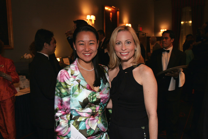 "Soo Won Hwang (<a href=""http://www.nyjl.org"">New York Junior League</a>,Development Vice President,2004-2006) & <a href=""http://www.centralparknyc.org/aboutcpc/womenscommitteeprograms/pgp"">Gillian Miniter</a>, Chairman of the Central Park Conservancy's Playground Partners"