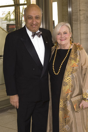 New York Philharmonic President and Executive Director Zarin Mehta and his wife, Carmen Mehta, at the New York Philharmonic Spring Gala, Lights! Camera! Music!, on April 26, 2006<br /> <br /> PHOTO: Julie Skarratt