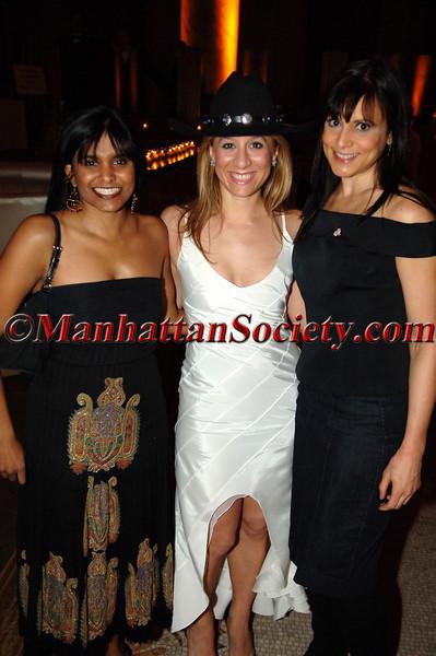 Nichole Wright, Sangeetha Chakinlan & ?