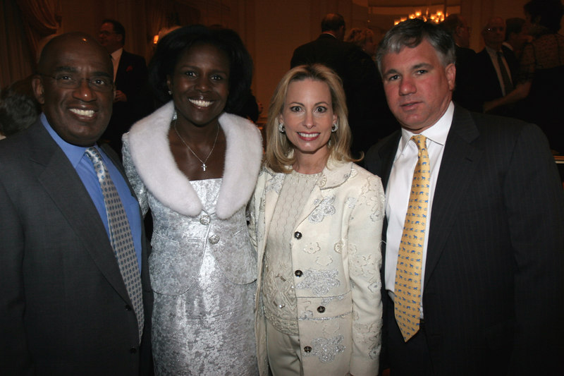 Dinner Hosts Deborah Roberts & Al Roker with Dinner Co-Chair,  Gillian Miniter & Sylvester Miniter at the WIN: Women in Need's 2006 Commit to Win Dinner at the Pierre Hotel