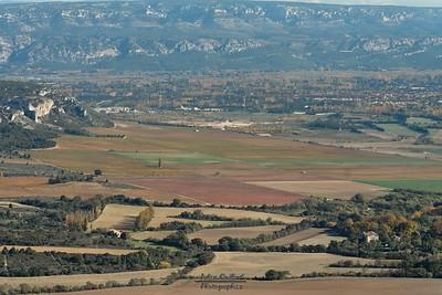 Aureille - Les Opies - Plaine de Senas et contreforts du Luberon