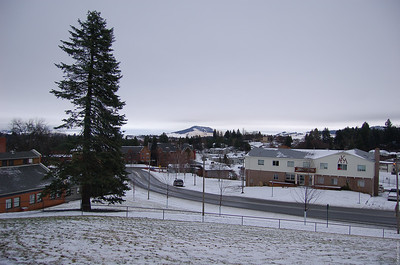 A view of Nez Perce Dr. (new frat row) with Paradise Ridge in the background.  The building in the direct center is Alumni Residence, where I spent a semester.