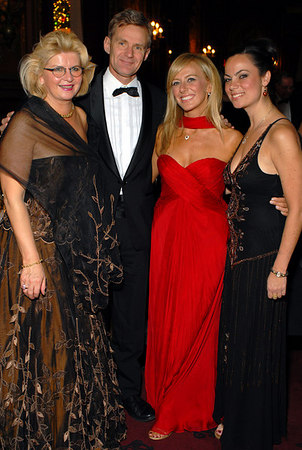 """Vibeke Steineger (Christmas Ball Chairperson), <a href=""""http://en.wikipedia.org/wiki/Jan_Egeland"""">Jan Egeland</a> (Under-Secretary-General for Humanitarian Affairs and Emergency Relief Coordinator, United Nations), Lisa Resling Halpern (President,American Scandinavian Society)  and Michelle Resling Halpern (Benefit Committee)at the Metropolitan Club for  The Annual American Scandinavian Society Christmas Ball"""