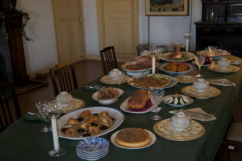 The groaning board • The dining table in the Glover house (Glover Garden, Nagasaki) is heavily-laden with plastic foods.