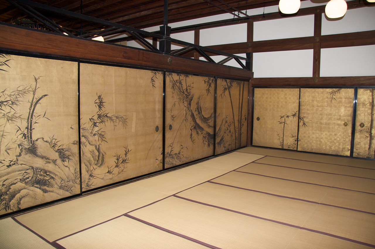 Tatami at Shokokuji • There were several tatami rooms, with painted wall-panels, open to the public at Shokokuji temple.