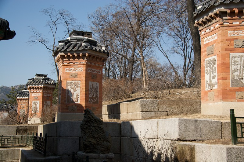 Chimney • An ornate brick chimney to vent the fires from the underfloor heating at Gyeongbokgung.