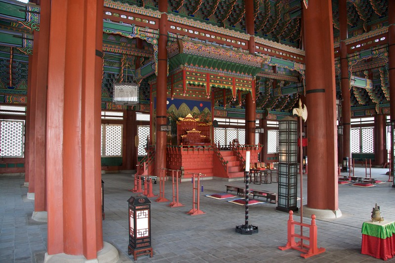 Inside the Geujeongjeon • Inside the main building at Gyeongbokgung, the imperial palace in Seoul, the Geunjeongjeon.