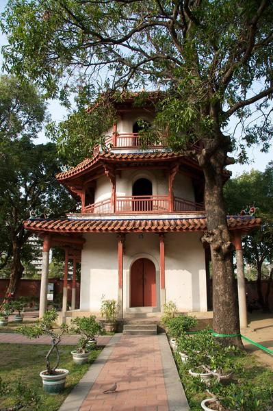 Confucius Temple, Tainan pagoda-pavilion