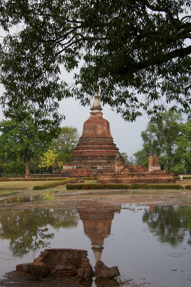 After the rain • The heavy rain at Sukhothai Historical Park passed, leaving a great deal of surface water on the ground.