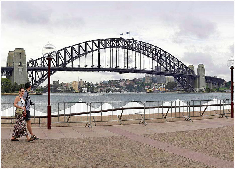 """Circular Quay, Monday January 16th 2006. </strong> This image is part of a large panorama that shows the Opera House and Harbour Bridge in perspective. It's a large file (400kb). To view it please click <a href=""""http://sydneywebcam.smugmug.com/photos/popup.mg?ImageID=56423180&Size=Original&popUp=1"""" target=""""_blank""""><strong><em>here</em></strong>.</a>  EXIF DATA Canon 1D Mk II. EF 50mm f/1.4 1/160s f/11 ISO 200."""