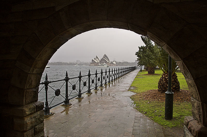 Milsons Point, Friday January 13th 2006. <br /> <br /> A day of non stop rain in Sydney, brings a welcome change. <br /> <br /> EXIF DATA <br /> Canon 1D Mk II. EF 17-35mm f/2.8L@17mm 1/80s f/10 ISO 400.