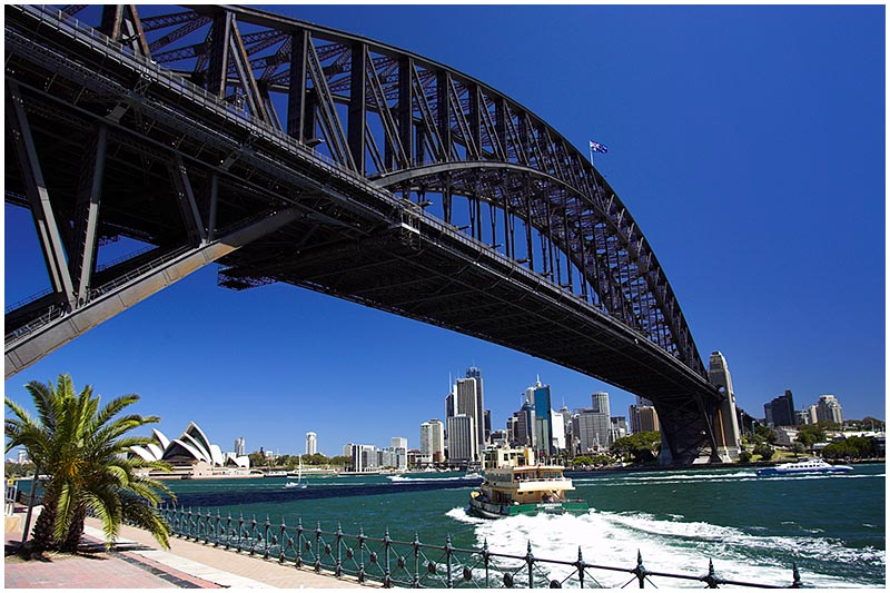 Milsons Point, Friday January 27th 2006. <br /> <br /> A perfect summer's day in the city. <br /> <br /> EXIF DATA <br /> Canon 1D Mk II. EF 17-35mm f/2.8L@21mm 1/80s f/8 ISO 100.
