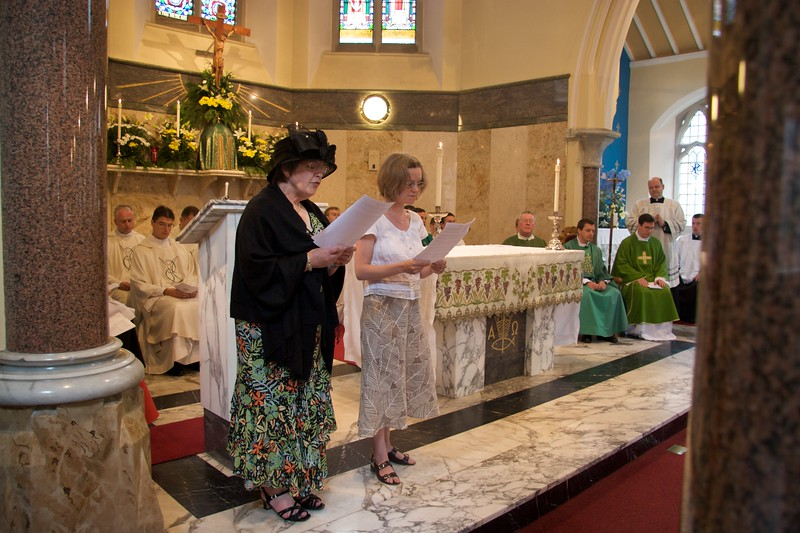 Responsorial Psalm • At the first Mass which John said in Rusholme the day after his Ordination. Mummy and Sarah intoning the responsorial psalm.