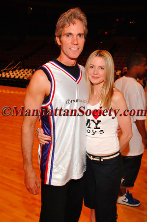 Jay & Kelly Sugarman at iStar Financial 4th Annual Charity Shootout at Madison Square Garden Benefitting Robin Hood Foundation and Human Rights First