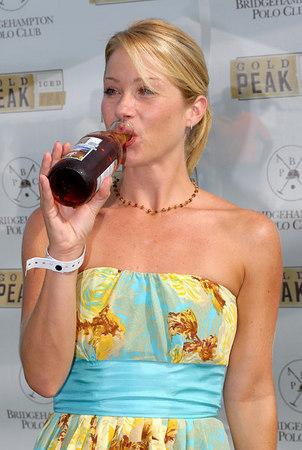 Christina Applegate enjoys Gold Peak Ice Tea