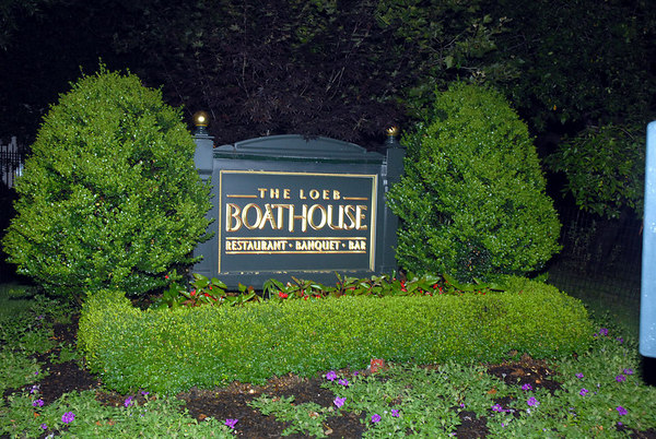 """<a href=""""http://www.thecentralparkboathouse.com/sections/home.htm"""">The Loeb Boathouse</a>, Central Park, New York City"""