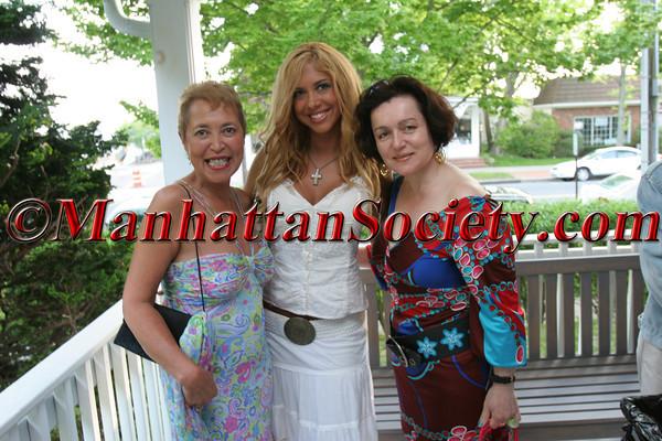 "Artist Wanda Murphy, Singer/Songwriter <a href=""http://www.samanthacole.org/Homepage.html"">Samantha Cole</a> and Designer <a href=""http://www.joannamastroianni.com/"">Joanna Mastroianni</a>"