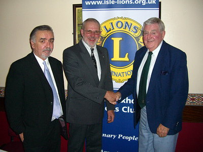 The isle of Axholme Lions held a sportsmans  dinner in the Haxey memorial Hall pictured is President of the Isle of Axholme Lions, Mike Gamble, centre, welcoming the MC and guest speaker at the event Mike Cowans, right  and Yorkshire comic  Mike Farrell who also entertained the dinner guests.