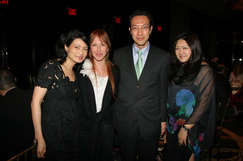 "Vivienne Tam, Sara Tecchia, artist <a href=""http://www.saratecchia.com/artists/makoto_fujimura/"">Makoto Fujimura</a> & Susan Shin"