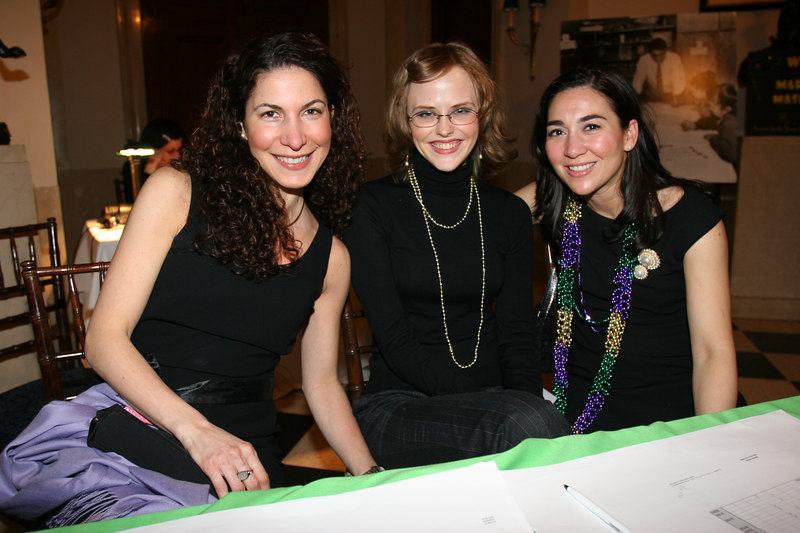 (L-R)Henry Street Settlement Volunteers Angela Allegretta, Laura Michonski, & Susanna Allegretta