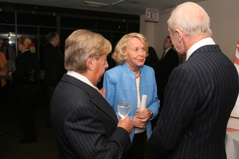 Arnold Scassi, Liz Smith,Peter Brown