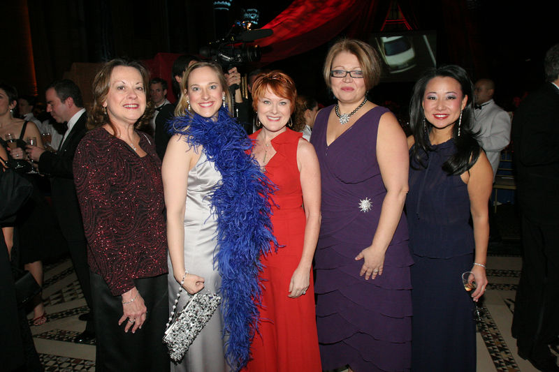"""NEW YORK-MARCH 4: NYJL Guests attend NEW YORK JUNIOR LEAGUE'S 54th Annual Winter Ball, """"Circo""""  at Cipriani 42nd Street, 110 East 42nd Street, New York City, New York on Friday, March 4, 2006 (Photo Credit: Christopher London/ManhattanSociety.com)"""