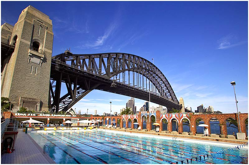 Milson's Point, Friday May 26th 2006. <br /> <br /> North Sydney Olympic Pool. <br /> <br /> <br /> EXIF DATA <br /> Canon 1D Mk II. EF 17-35 f/2.8L@17mm 1/100s f/13 ISO 200.