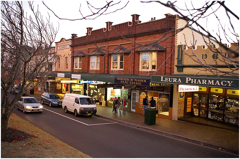 Leura, Blue Mountains, Monday May 15th 2006. <br /> <br /> Main Street. <br /> <br /> <br /> EXIF DATA <br /> Canon 1D Mk II. EF 17-35 f/2.8L@25mm 1/40s f/2.8 ISO 1000.