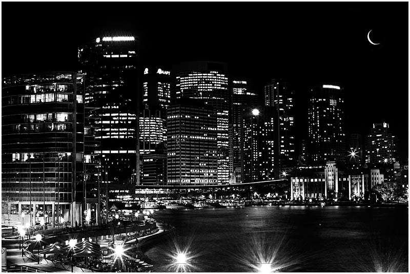 Sydney, Wednesday May 31st 2006. <br /> <br /> Circular Quay. <br /> <br /> <br /> EXIF DATA <br /> Canon 1D Mk II. EF 17-35 f/2.8L@35mm 10s f/8 ISO 100.