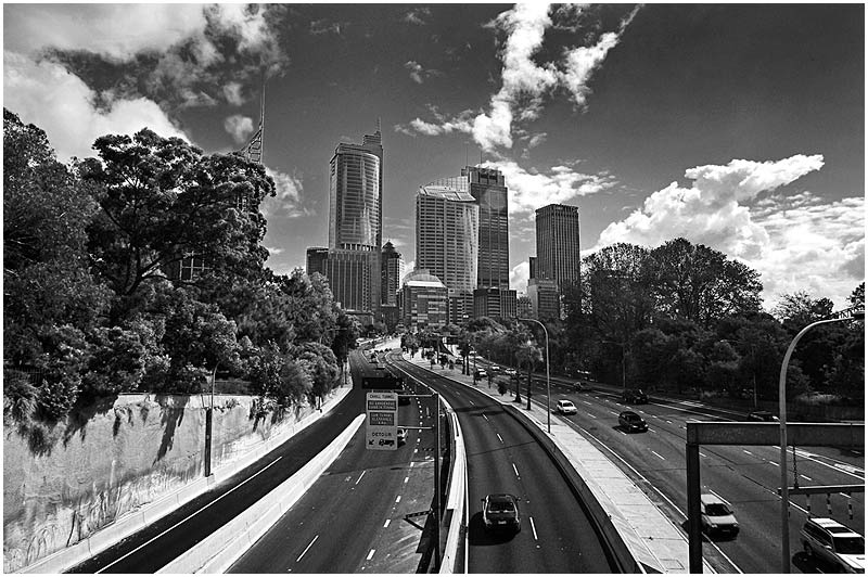 Sydney, Tuesday May 30th 2006. <br /> <br /> Cahill Expressway. <br />  <br /> <br /> EXIF DATA <br /> Canon 1D Mk II. EF 17-35 f/2.8L@17mm 1/125s f/11 ISO 200.