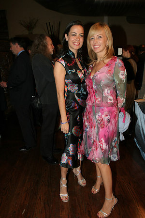 Ms Michelle Resling Halpern and Ms Lisa Resling Halpern at the Stages of Learning Spring 2006 Gala Benefit