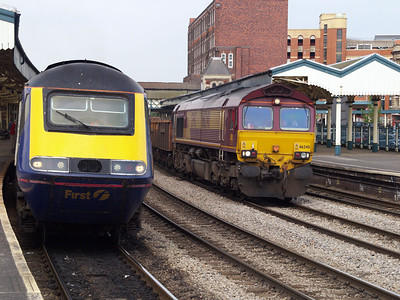 66240 passes 43027 at 1540 on Westbury-Newport ADJ Engineers.